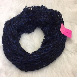 Bestsy Johnson Chunky Knit Scarf.